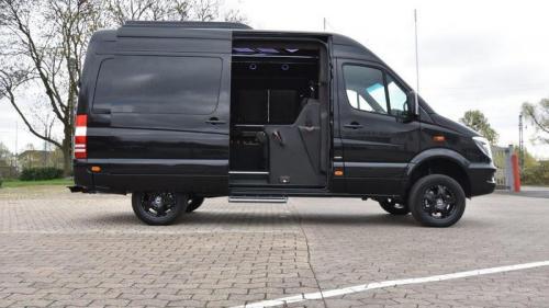 VIP Bus   06