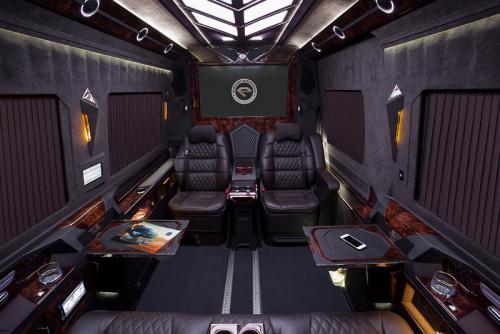 VIP Bus   22