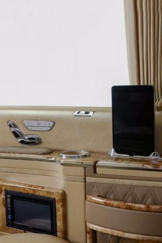 Mercedes Benz V 250   13